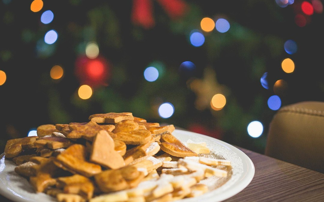 Tis' The Holiday Season: How to Get Your Office Festive
